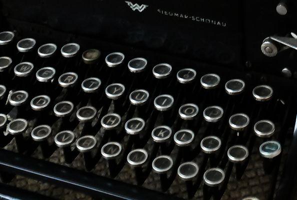 Cover - editie 2 - 2014 - afbeelding typmachine